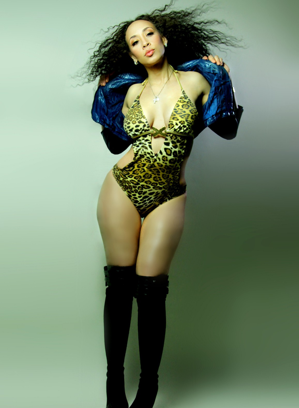 Vondecarlo com buttercup brown productions all rights reserved